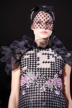 Giambattista Valli Spring 2015 Couture Accessories Photos - Vogue