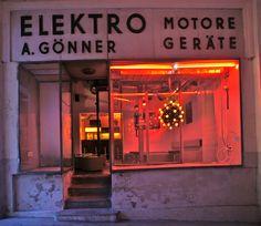 Billedresultat for elektro goenner Bude, Die Macher, Bars And Clubs, U Bahn, Lokal, Live Laugh Love, Vienna, Neon Signs, Hipsters