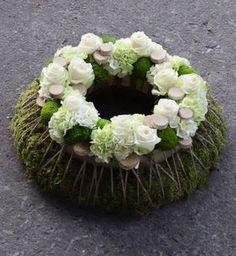 Artist and designer Stéphane Brassart Ikebana Flower Arrangement, Beautiful Flower Arrangements, Flower Vases, Flower Art, Floral Arrangements, Christmas Advent Wreath, Xmas Wreaths, Grave Decorations, Flower Decorations