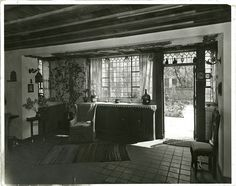 Dining room in residence of Edward C. Dean, Turtle Bay, New York City. (1922)
