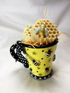 Bee and Honeycomb Soap in Bee Embossed Mug Bee Lovers Queen Black Bee, Save The Bees, Palm Oil, Cold Process Soap, Fragrance Oil, Honeycomb, Emboss, Soaps, Coconut Oil