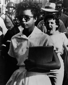 Elizabeth Eckford is harrassed as she enters Little Rock Center High School Sept. 6 1957.  Make note of KKKaren in the background leading the racist mob.  Karens are nothing new. They are as old as racism itself.  #blacklivesmatter #BLM #endracism #justiceforgeorgefloyd #justiceforbreonnataylor #justiceforElijahMcClain #endpolicebrutality #EndQualifiedImmunity Black History Facts, Black History Month, Strange History, History For Kids, Women In History, History Photos, History Timeline, My Black Is Beautiful, African American History