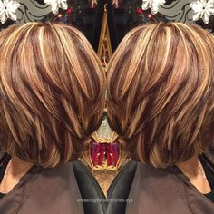 Highlights and lowlights. Are you looking for hair color highlights and lowlights for brunettes blonde caramel? See our collection full of hair color highlights and lowlights for brunettes blonde caramel and get inspired! Fall Hair Highlights, Colored Highlights, Dimensional Highlights, Brown Hair With Highlights And Lowlights, Chunky Blonde Highlights, Hair Color And Cut, Haircut And Color, Haircut Layers, Fall Hair Colors