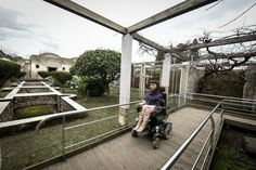 Pompei senza barriere: tre chilometri di percorsi negli scavi agibili anche per i disabili