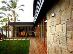 Eco Outdoor Clancy random ashlar walling, install by Formed Gardens. | Eco…