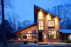 Пристройка с односкатной крышей: простой дизайн не в ущерб практичности