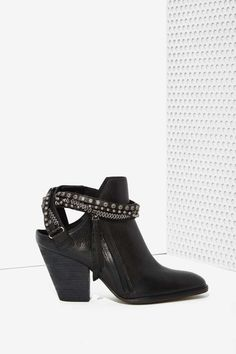 Dolce Vita Hollice Leather Bootie