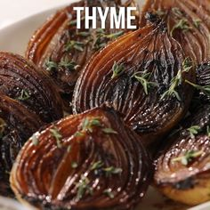 As these onion halves cook, the balsamic mixture becomes syrupy and caramelizes the onions, giving them a bronzed caramel color and a luscious, rich flavor. Cucumber Recipes, Onion Recipes, Vegetable Recipes, Vegetarian Recipes, Cooking Recipes, Healthy Recipes, Salad Recipes, Balsamic Onions, Caramelized Onions