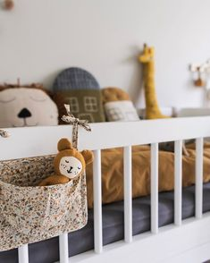 Are you dreaming of a magazine room for your child? Baby Room Themes, Baby Room Decor, Nursery Room, Kids Bedroom, Baby Room Boy, Baby Room Closet, Room Boys, Tatami Futon, Good Night Dear
