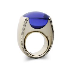 Vhernier, gold, diamonds and tanzanite cabochon ring