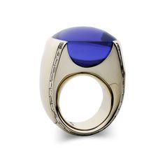 Vhernier, gold, diamonds and tanzanite cabochon ring
