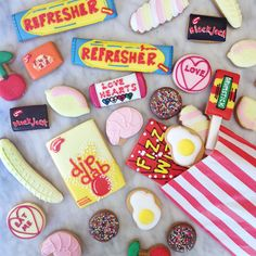 Retro British pick & mix sweets made into biscuits! Including traditional the drumstick, love hearts and marshmallows. Uk Sweets, Retro Sweets Uk, Vintage Sweets, Penny Sweets, Old Fashioned Sweets, British Sweets, Love Heart Sweets, Iced Biscuits, Retro Party