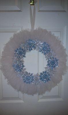 Winter tulle wreath