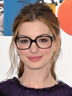 11 Makeup Tips for Women who Wear Glasses   Everyday Eye Makeup Tutorial For A Simple & Natural Look, Best Makeup Tips &Tricks By Makeup Tutorials http://makeuptutorials.com/makeup-tips-for-women-who-wear-glasses/