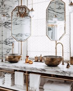 Why you should use marble in your next bathroom renovation 8 Bathroom Furniture, Bathroom Interior, Furniture Decor, Modern Furniture, Apartment Furniture, Apartment Living, Dream Bathrooms, Amazing Bathrooms, Small Bathrooms