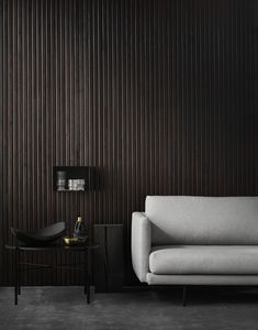 A dark wall or entire dark room can give such a dramatic touch to a space and is such a daring choice. The effect can be really nice if there is a lot of daylight in the room and I think it especially … Continue reading → Lobby Interior, Living Room Interior, Interior Architecture, Living Room Decor, Dark Walls, Dark Interiors, Furniture Layout, Beautiful Kitchens, Interiores Design