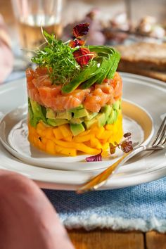My Recipes, Real Food Recipes, Favorite Recipes, Healthy Recipes, Salmon Y Aguacate, Fancy Dishes, Cafe Food, Food Design, Food Inspiration