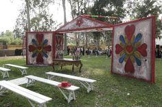 My personal favorite: Peruvian wedding Latin Wedding, Spanish Wedding, Colonial Art, Spanish Colonial, Wedding Colors, Wedding Styles, Mexican Themed Weddings, Mediterranean Wedding, Wedding Inspiration