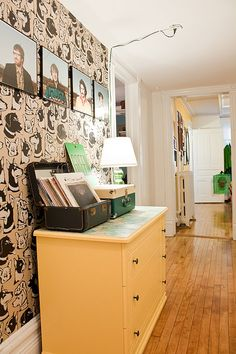 Look! Rental Friendly Wallpaper Solution