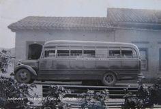 Jardineira que fazia o trajeto São Roque/Cotia/São Paulo, década de 1940