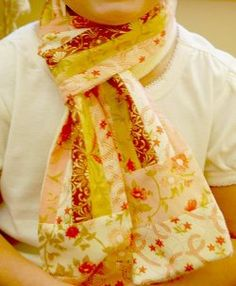 Make your own hip jelly roll scarf, or make one for your little girl.