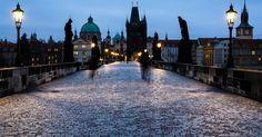 Vamos a Praga...  http://clubdetraductoresliterariosdebaires.blogspot.cz/2016/08/un-interesante-programa-de-becas-para.html