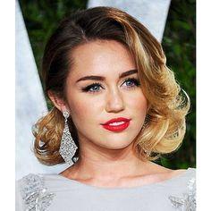 Top 100 celebrity hairstyles photos Enhance Your Looks with Celebrity Hairstyles  #CelebrityHairstyles See more http://wumann.com/top-100-celebrity-hairstyles-photos/