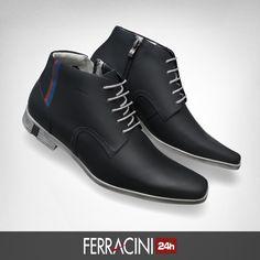 A linha Straat da Ferracini 24H injeta elegância no seu look, com referência nas formas da arquitetura moderna.  Com print de listras, o resultado é um visual único e alinhado nas mais variadas situações.