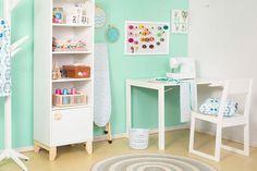 Decore o quarto das crianças, quarto do adolescente ou quarto de solteiro com esta linda estante branca!