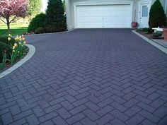 Get the Best Brick Driveway for you Home - Decorifusta Stamped Concrete Driveway, Brick Driveway, Asphalt Driveway, Driveway Design, Concrete Driveways, Front Garden Ideas Driveway, Modern Driveway, Side Yard Landscaping, Modern Landscaping