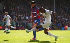 Young delivers the dangerous low cross around returning Crystal Palace captain Mile Jedinak that leads to the penalty Manchester United 2014, Soccer News, Crystal Palace, Basketball Court, The Unit, Football, Running, Sports, Soccer