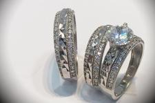 Puedes ver nuestra variedad de anillos solo en www.mvalentinjoyeria.com