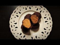 Απίθανα σοκολατάκια μπανάνας με 4 υλικά!!! - YouTube Easy Desserts, Cookies, Cake, Recipes, Food, Youtube, Crack Crackers, Biscuits, Kuchen