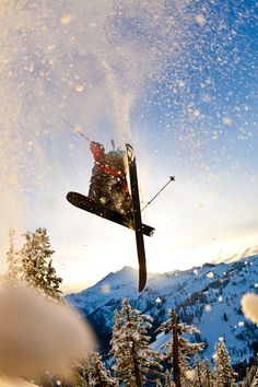 Spray fresh snow #Ski #Ridersmatch https://www.ridersmatch.com/sports/ski