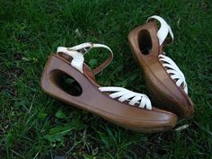 Yo-Yo shoes from the late and early I think I had a pair exactly like this! Sweet Memories, Childhood Memories, I Remember When, The Good Old Days, Vintage Shoes, Vintage Clothing, Old School, High School, Middle School