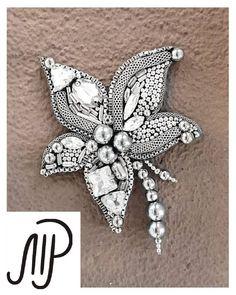 #mpaccessories #marinaprisyach #jewellery #Swarovski #brooch #flowers #designer #украшения #сваровски #брошь #цветок #ручнаяработа #пирит #Москва #Питер #СПб #Самара Брошь-цветок сделана на заказ❤