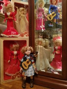 Coat of Many Colors Dolly Parton doll from the private collection of Jonathan Guffey. Coat Of Many Colors, Dolly Parton, Collector Dolls, Cute Photos, Love Her, Personality, March, Collection, Dolly Patron