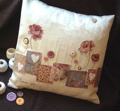 lovely patchwork, applique and button cushion Sewing Pillows, Diy Pillows, Decorative Pillows, Throw Pillows, Fabric Crafts, Sewing Crafts, Sewing Projects, Diy Crafts, Patchwork Cushion