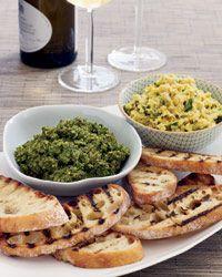BROCCOLI RABE PESTO BRUSCHETTA http://www.foodandwine.com/recipes/broccoli-rabe-pesto-bruschetta?crlt.pid=camp.8zrEwkiFEWoh