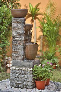 Dale vida a tu jard n decorando con plantas y fuentes for Caidas de agua para jardin