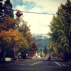 Small Mountain Towns #mountshastacity