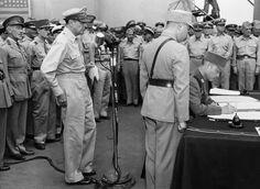 u.s.s. missouri, general douglas macarthur, hsu yungchang, peace treaty, japan's formal surrender, world war II, v-j day