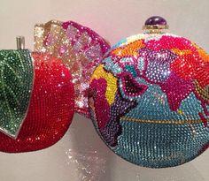 Judith Leiber, Luxury Handbags, Purses And Handbags, Novelty Handbags, Beaded Purses, Pink Bling, Vintage Purses, Cute Bags, Diy Arts And Crafts