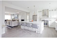 Love It Or List It Vancouver: Eva & Chris - Jillian Harris 14 years and countless commutes later, Eva and Chris are ready for a change. Jillian Harris, Living Room Kitchen, Home Decor Kitchen, Interior Design Kitchen, Home Kitchens, Modern Interior, Vancouver, Home Renovation, Home Remodeling