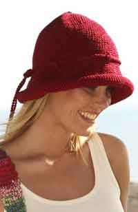"""DROPS - Crochet DROPS hat in """"Muskat"""" and bag with pointed top in double thread """"Muskat Soft"""". - Free pattern by DROPS Design Vogue Patterns, Hat Patterns, Drops Design, Free Crochet, Knit Crochet, Crochet Hats, Crochet Headband Pattern, Crochet Patterns, Cardigan Au Crochet"""