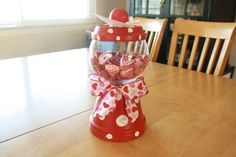 OMG so cute! I am totally doing this for the kids teachers for Valentines :)