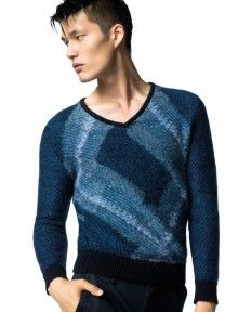 """""""In this image: Sweater (1042K4473); Trousers (4BOB56T58). Fall/Winter 2012 United Colors of Benetton man collection."""""""