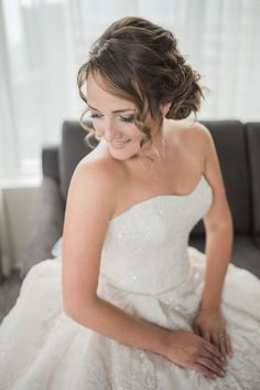 Wedding hairstyle idea; Featured Photographer: Blynda Dacosta Photography