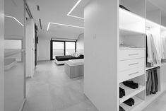 vivienda-lluesma-interiorismo (20) Walking Closet, Beach House, Valencia, Home Decor, Modern Interior Design, House Interiors, Modern Bedrooms, Beach Homes, Decoration Home