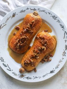 This hasselback butternut squash is perfect for Thanksgiving - and you can easily make it two ways! We have a maple pecan hassleback butternut squash and a brown butter sage hasselback butternut squash. Easy Delicious Recipes, Easy Dinner Recipes, Healthy Recipes, Holiday Recipes, Weeknight Recipes, Fall Recipes, Side Dish Recipes, Gourmet Recipes, Dishes Recipes